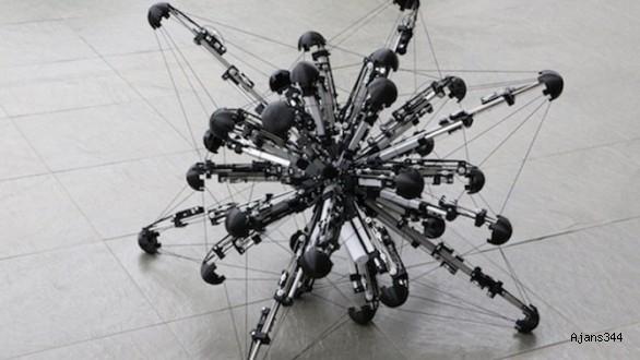 Araştırmacıların Ürettiği 32 Bacaklı Robot: Mochibot (Video)