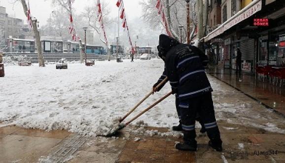 Büyükşehir'de karla mücadele