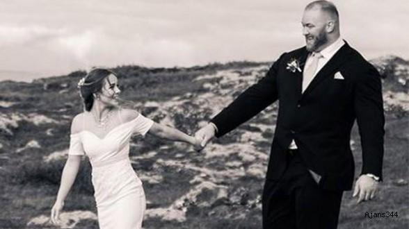 Dünyanın en güçlü adamı evlendi
