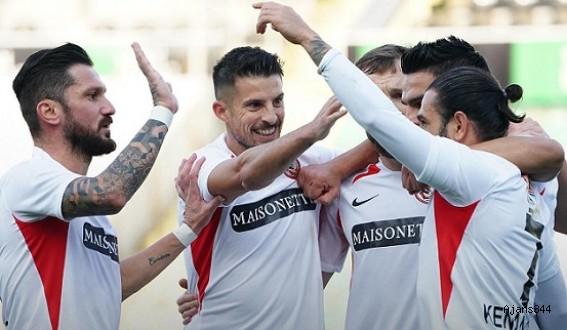 Gaziantep Denizli'de 1 attı 3 aldı:0-1