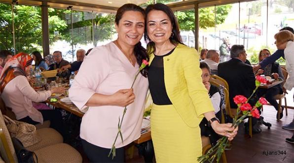İYİ Parti Anneler Günü'ne Özel Program Düzenledi
