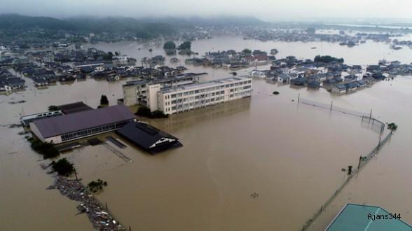 Japonya'da sel felaketi: 76 Ölü