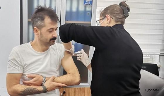 Kahramanmaraş'ta sağlık çalışanlarına aşılama başladı
