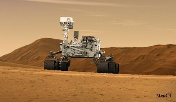 Mars Aracı Curiosity'den 360 Derecelik Muhteşem Selfie (Video)