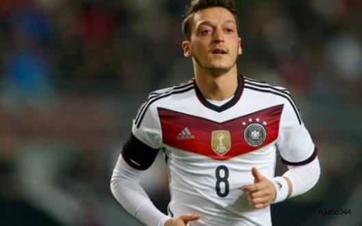 Mesut Özil'in babasından flaş açıklama!
