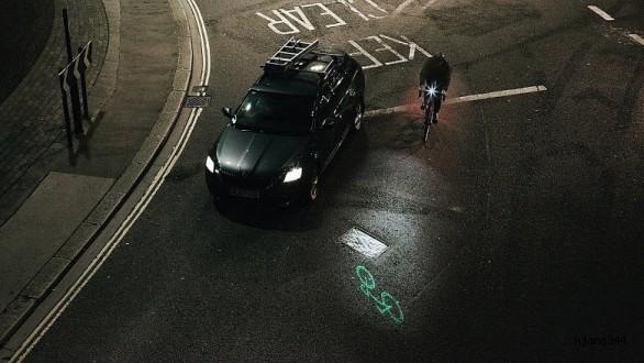 Sürücüleri uyarmaya yarayan bisiklet lazeri