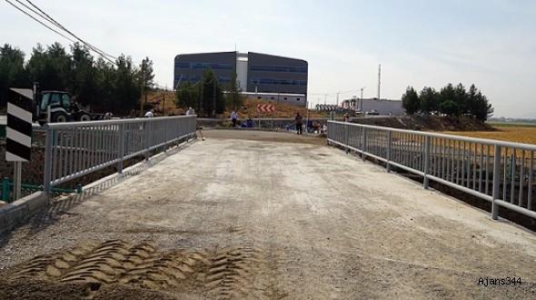 Türkoğlu'nda Köprü inşaatı tamamlandı